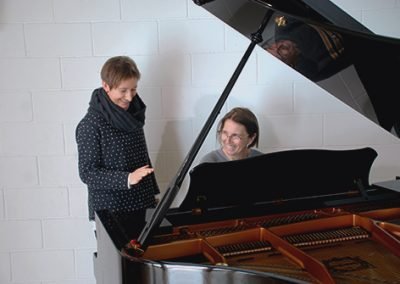 alumne piano adult